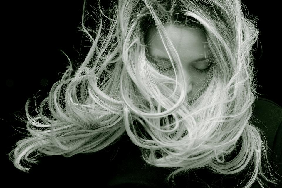 Jak funguje konopný šampon: Skutečně pomůže s vlasy? 4